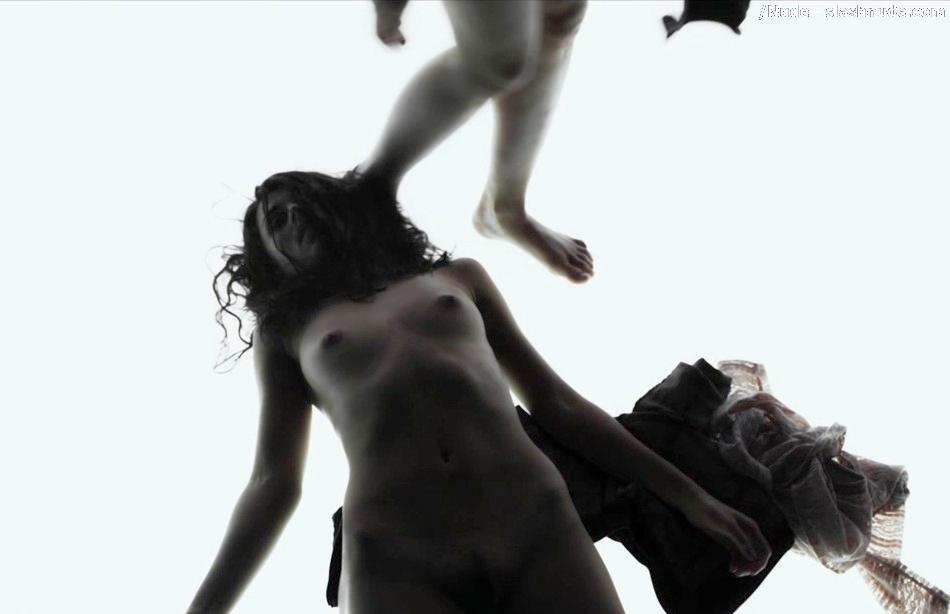 Busty nude mirror pics