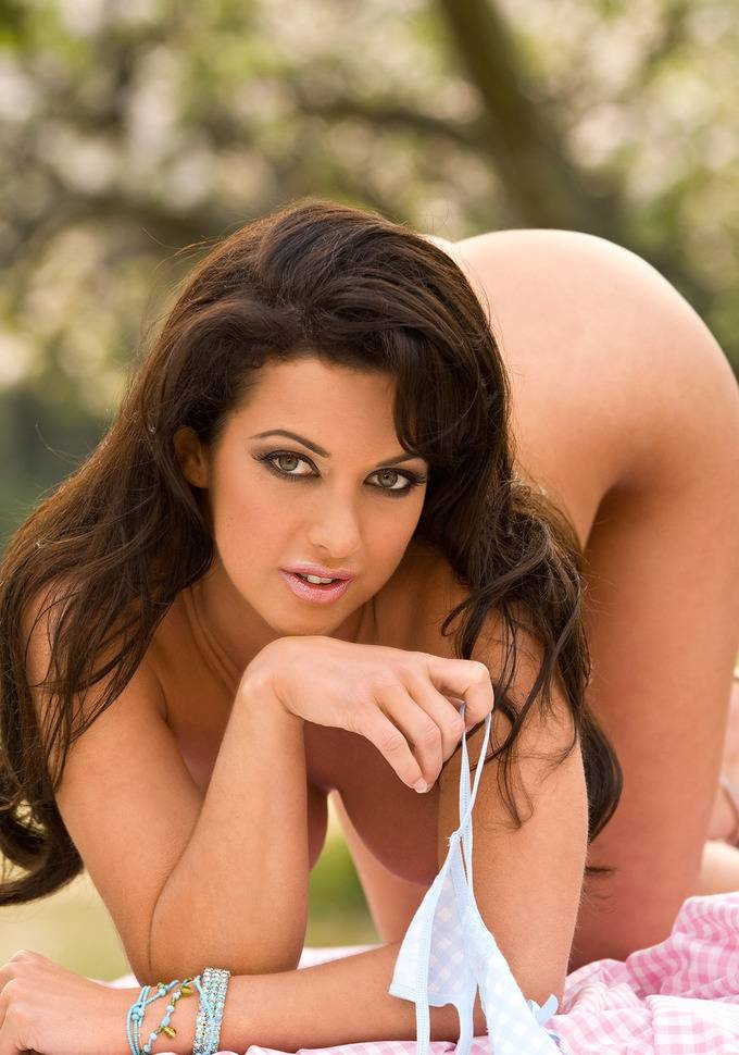 Sophia Cahill Nude Makes Us Thankful For Forgotten Beauty Queens 22
