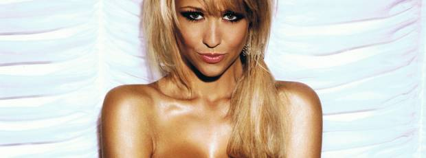 sophie reade topless for her 2011 calendar 3010