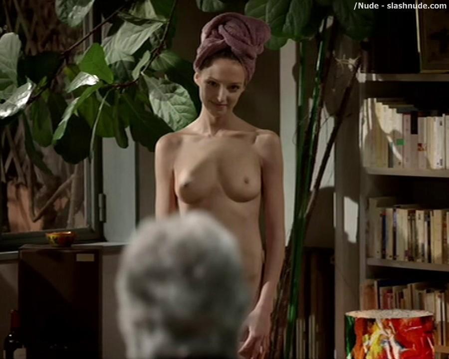 stephanie beatriz topless