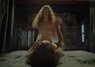 alexia giordano nude in versailles 1016 5