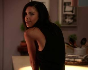 alice hunter topless and casual on house of lies 9095 2