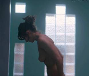 alison brie nude in glow sex scene 4081 5