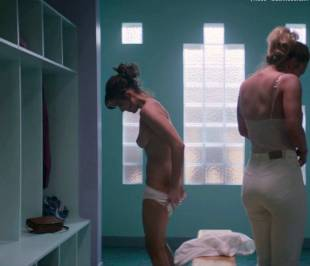 alison brie nude in glow sex scene 4081 8