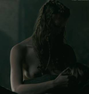 alyssa sutherland topless in vikings 1236 3