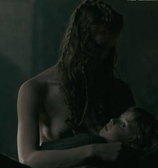 alyssa sutherland topless in vikings 1236 4