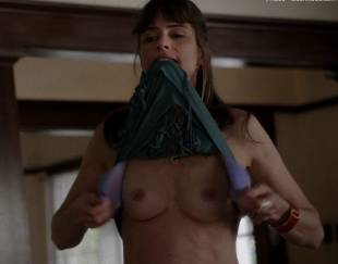 amanda peet topless flash in togetherness 8134 3