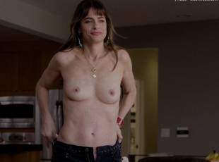 amanda peet topless jeans 360 on togetherness 8084 14