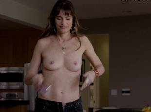 amanda peet topless jeans 360 on togetherness 8084 15