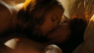 amanda seyfried nude in chloe also means sex scene with julianne moore 6169 20