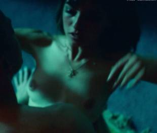 anjela nedyalkova topless in trainspotting 2 3154 1