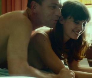 anjela nedyalkova topless in trainspotting 2 3154 13