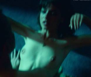 anjela nedyalkova topless in trainspotting 2 3154 3