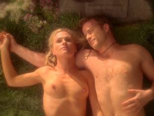 anna paquin nude in daylight grass on true blood 7365 10