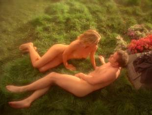 anna paquin nude in daylight grass on true blood 7365 15