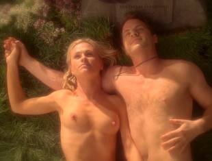 anna paquin nude in daylight grass on true blood 7365 9