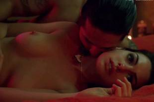 anne hathaway nude in havoc 3250 35