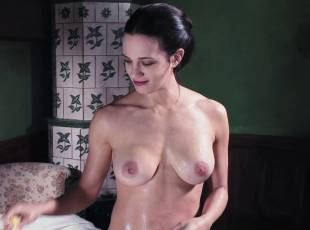 asia argento nude for a fun bath in dracula 8439 11