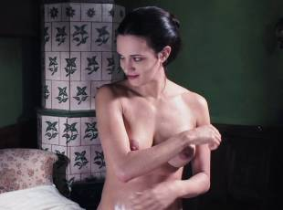 asia argento nude for a fun bath in dracula 8439 13