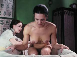 asia argento nude for a fun bath in dracula 8439 24