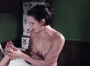 asia argento nude for a fun bath in dracula 8439 5