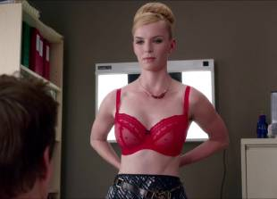 betty gilpin topless for a check up on nurse jackie 2769 1
