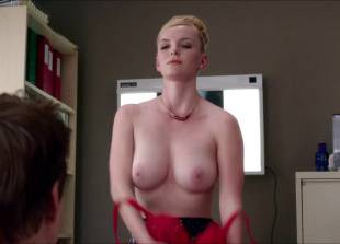 betty gilpin topless for a check up on nurse jackie 2769 4