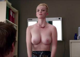 betty gilpin topless for a check up on nurse jackie 2769 5