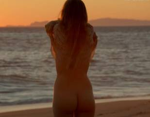 bojana novakovic nude for sex and sand on shameless 3904 31