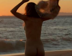 bojana novakovic nude for sex and sand on shameless 3904 34