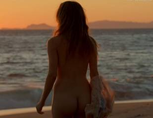 bojana novakovic nude for sex and sand on shameless 3904 35