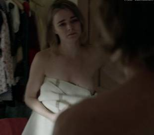 bojana novakovic topless to change on shameless 4451 2