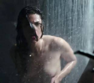 callie hernandez nude in alien covenant 0001 14