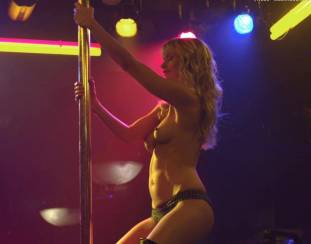 cameron richardson topless in get a job 2550 4