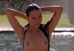 camilla luddington nude for a swim on californication 4270 8