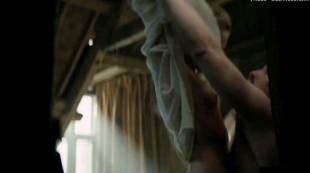 cara delevingne nude debut in tulip fever 3101 1