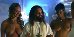 cassie keller chernise yvette topless in harold kumar christmas 3288 10