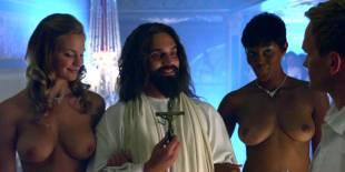 cassie keller chernise yvette topless in harold kumar christmas 3288 12