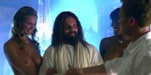 cassie keller chernise yvette topless in harold kumar christmas 3288 13