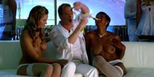 cassie keller chernise yvette topless in harold kumar christmas 3288 20
