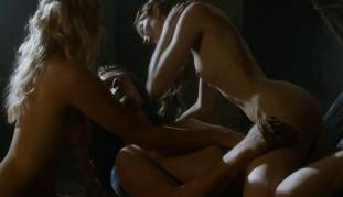 charlotte hope stephanie blacker nude together on game of thrones 7111 24