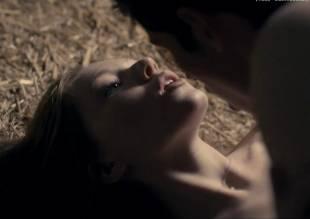 charlotte spencer nude sex scene from glue 3462 20