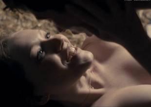 charlotte spencer nude sex scene from glue 3462 24