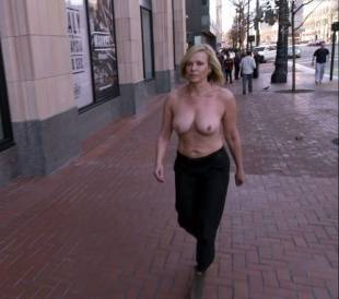 chelsea handler topless in chelsea does silicon valley 1013 5