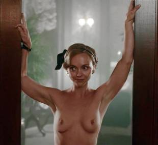 christina ricci nude full frontal in z the beginning of everything 3370 11