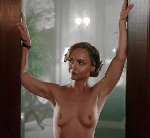 christina ricci nude full frontal in z the beginning of everything 3370 13