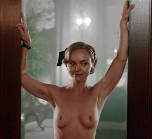 christina ricci nude full frontal in z the beginning of everything 3370 14