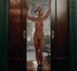 christina ricci nude full frontal in z the beginning of everything 3370 2