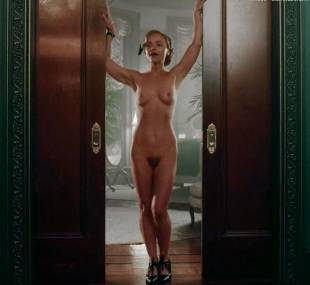 christina ricci nude full frontal in z the beginning of everything 3370 4