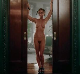 christina ricci nude full frontal in z the beginning of everything 3370 8